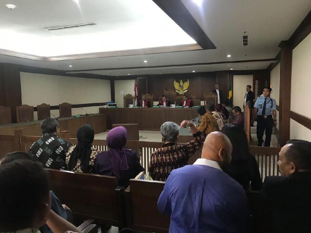 Berkas Lengkap, Pengacara TW yang Sabet Hakim Segera Diserahkan ke Jaksa
