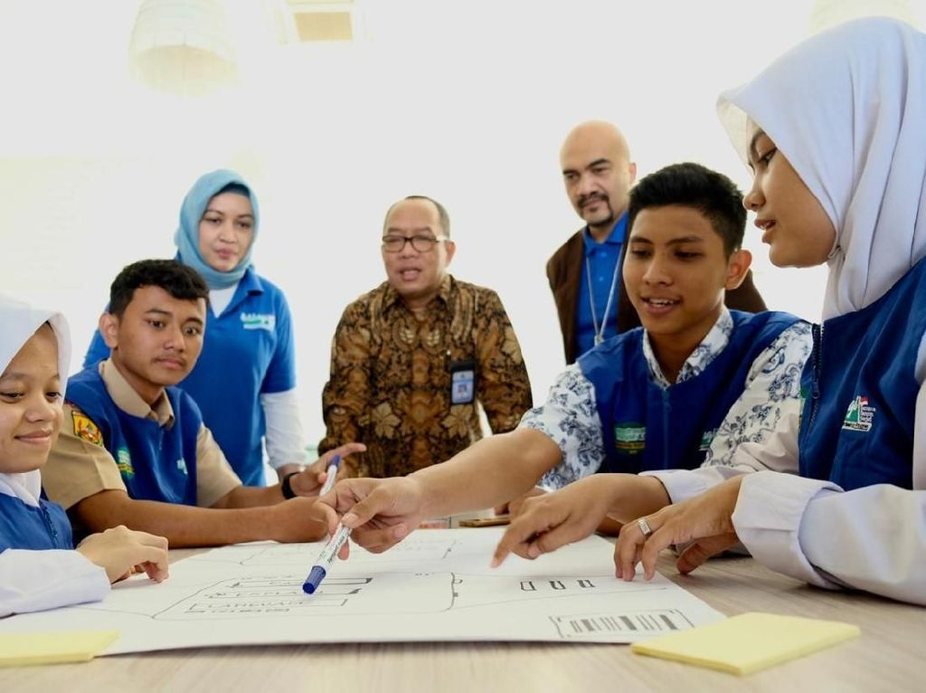 Dorong Digitalisasi Sekolah di Program Madrasah BootCamp