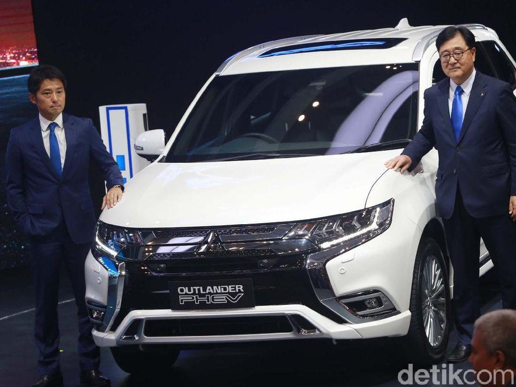 Mitsubishi Outlander PHEV Dibandrol Rp 1,2 Miliar