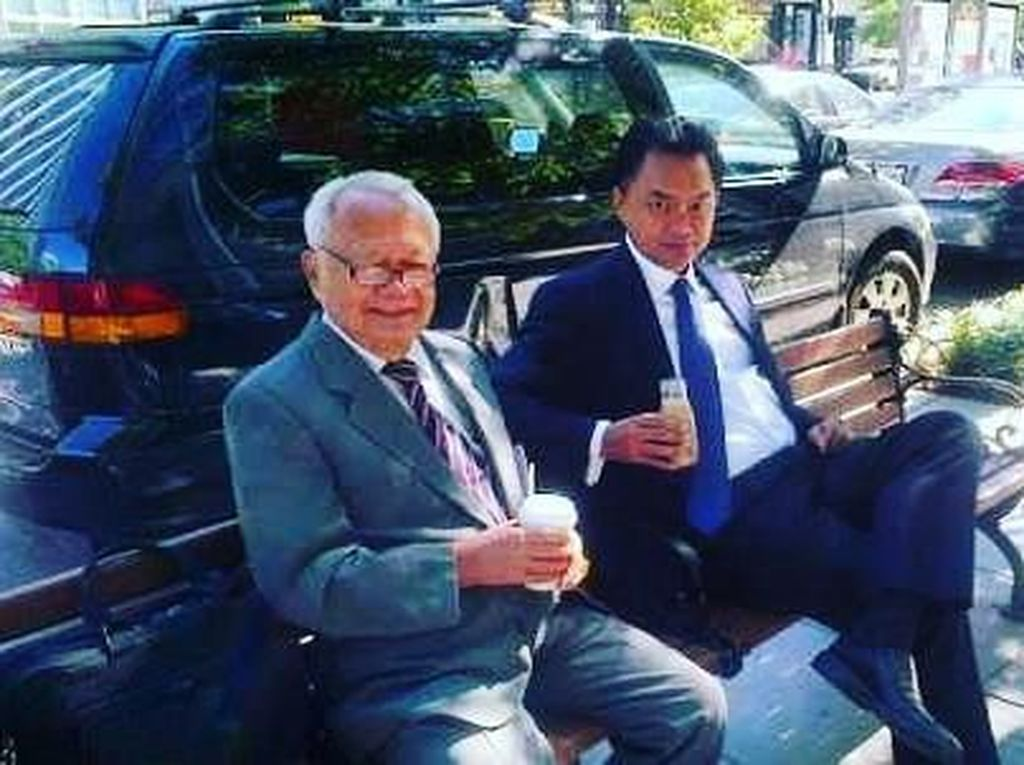 Serunya Momen Kulineran Dino Patti Djalal yang Kritik Rich Brian