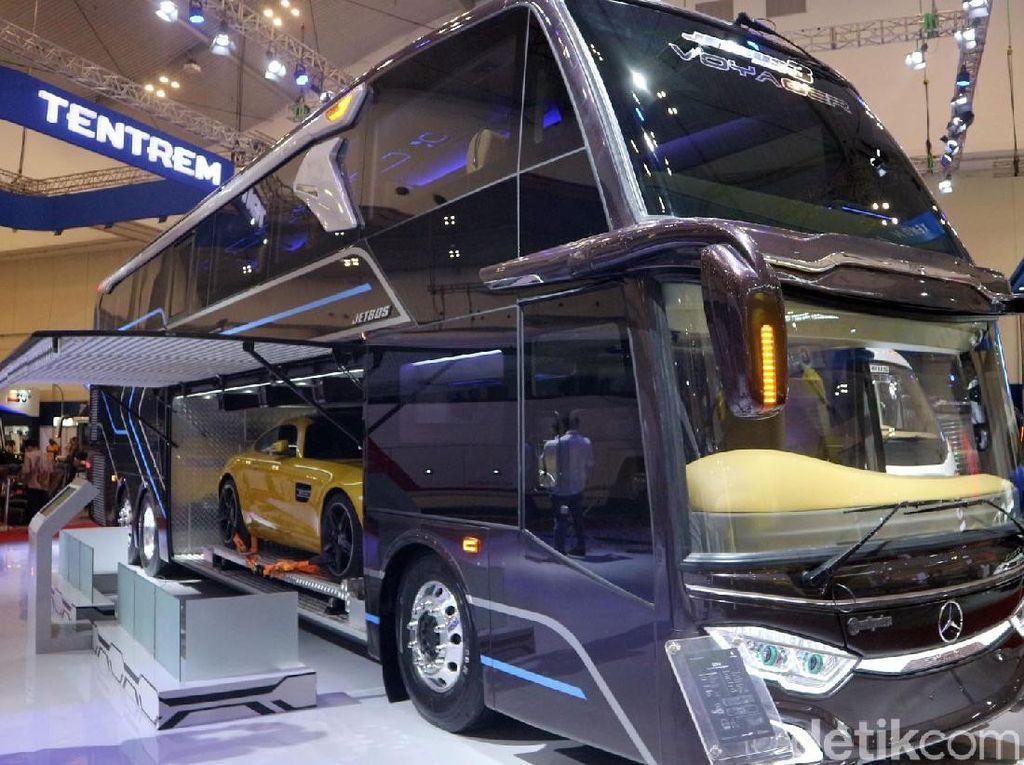 GIIAS 2019: Bus yang Bisa Telan Mobil Langsung Terjual