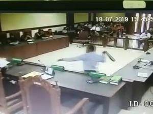 Ini Alasan Polisi Tahan Pengacara Tomy Winata yang Pukul Hakim