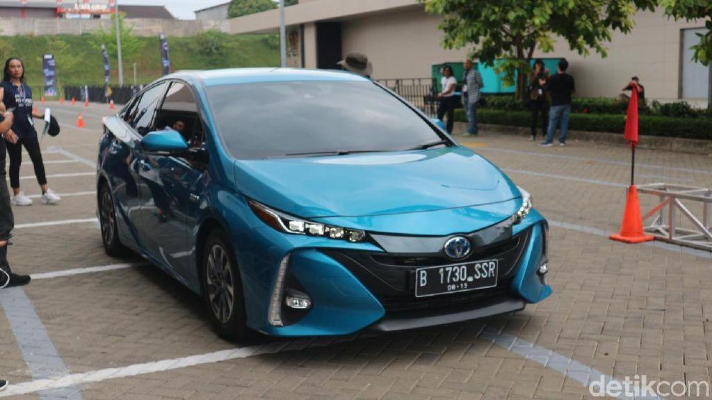 Test Drive Mobil Listrik Toyota