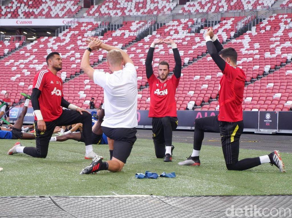 Menikmati Manchester United dari Dekat