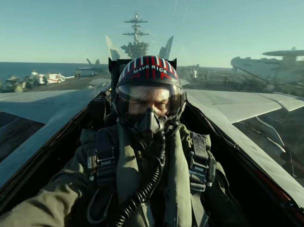 Tom Cruise Kembali Kendalikan Jet Tempur di Top Gun: Maverick
