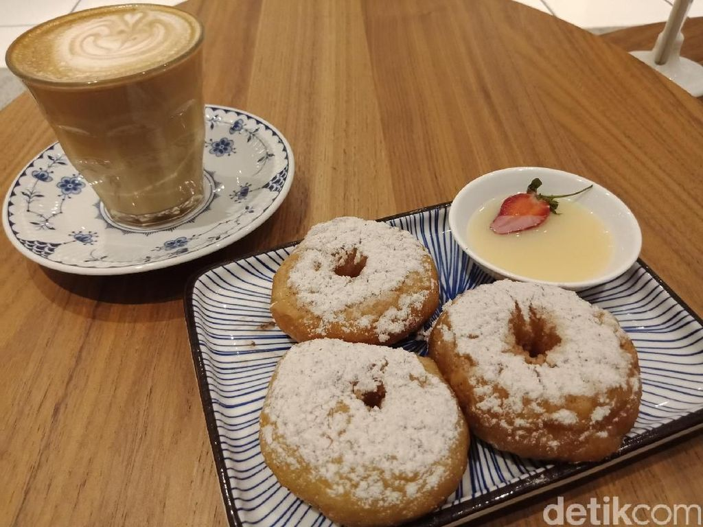 5 Kafe yang Punya Donat Kampung Enak untuk Teman Ngopi