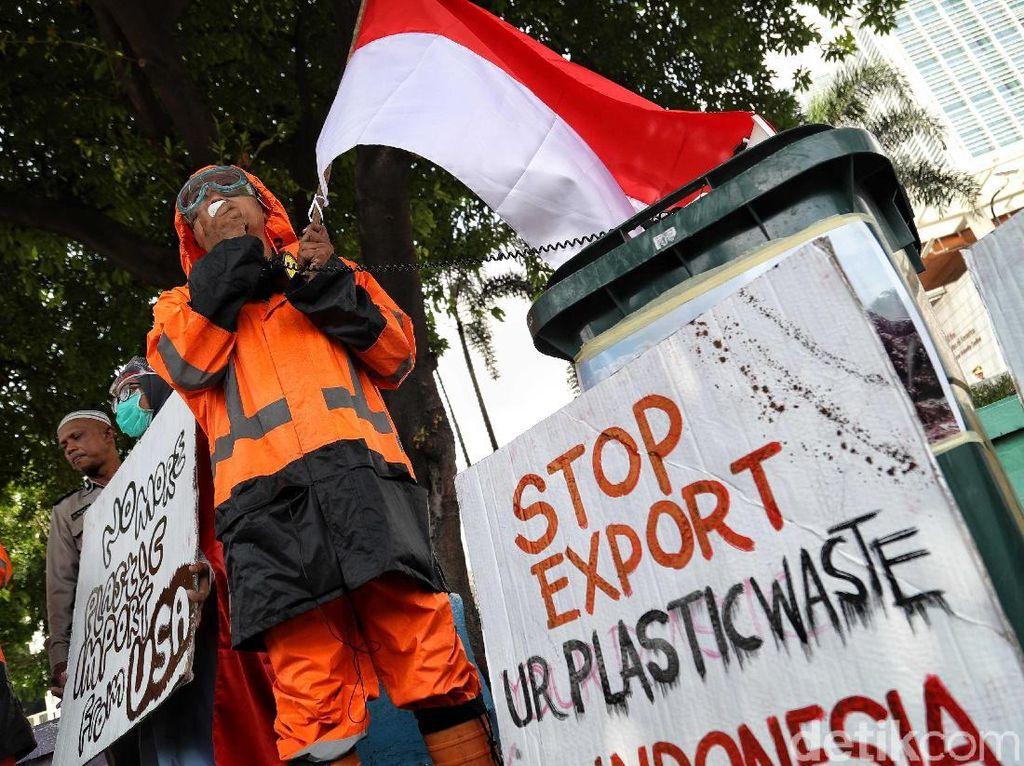 Impor Sampah RI Disusupi Bekas Infus hingga Popok