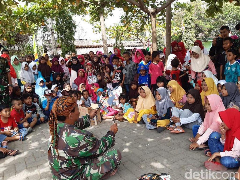 Serma Paijan, Babinsa di Demak yang Piawai Mendalang Wayang