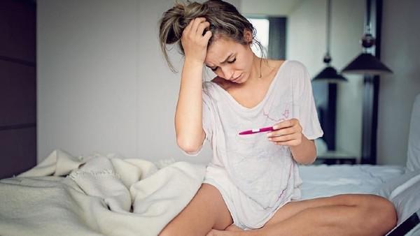 Masih banyak yang percaya mitos karena tidak mendapatkan pendidikan seks. (Foto: iStock)