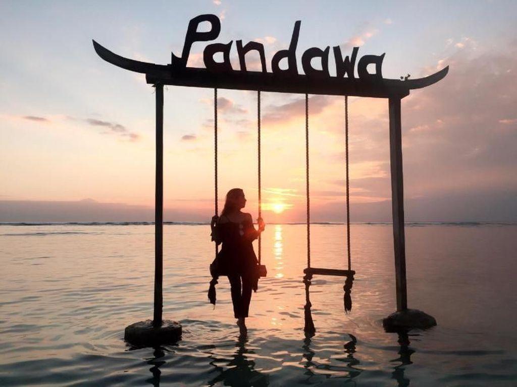Separuh Cinta Ada di Lombok