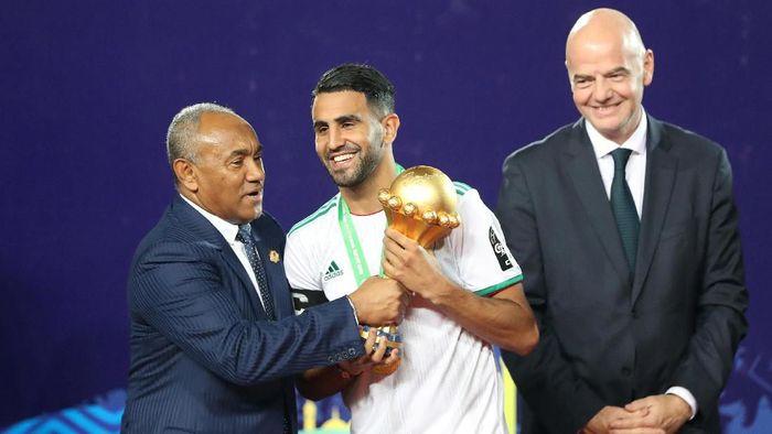 Riyad Mahrez berhasil mengantarkan Aljazair juara Piala Afrika 2019. (Foto: Suhaib Salem/Reuters)