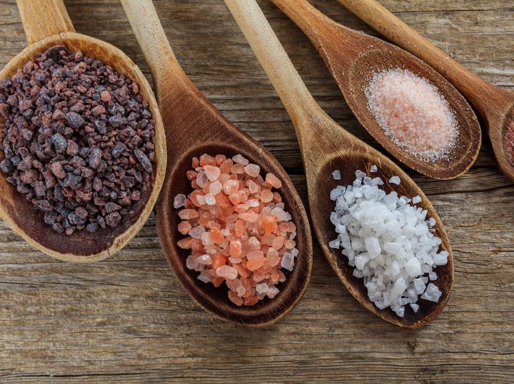 5 Jenis Garam yang Umum Dipakai Masak, Mana Lebih Sehat?