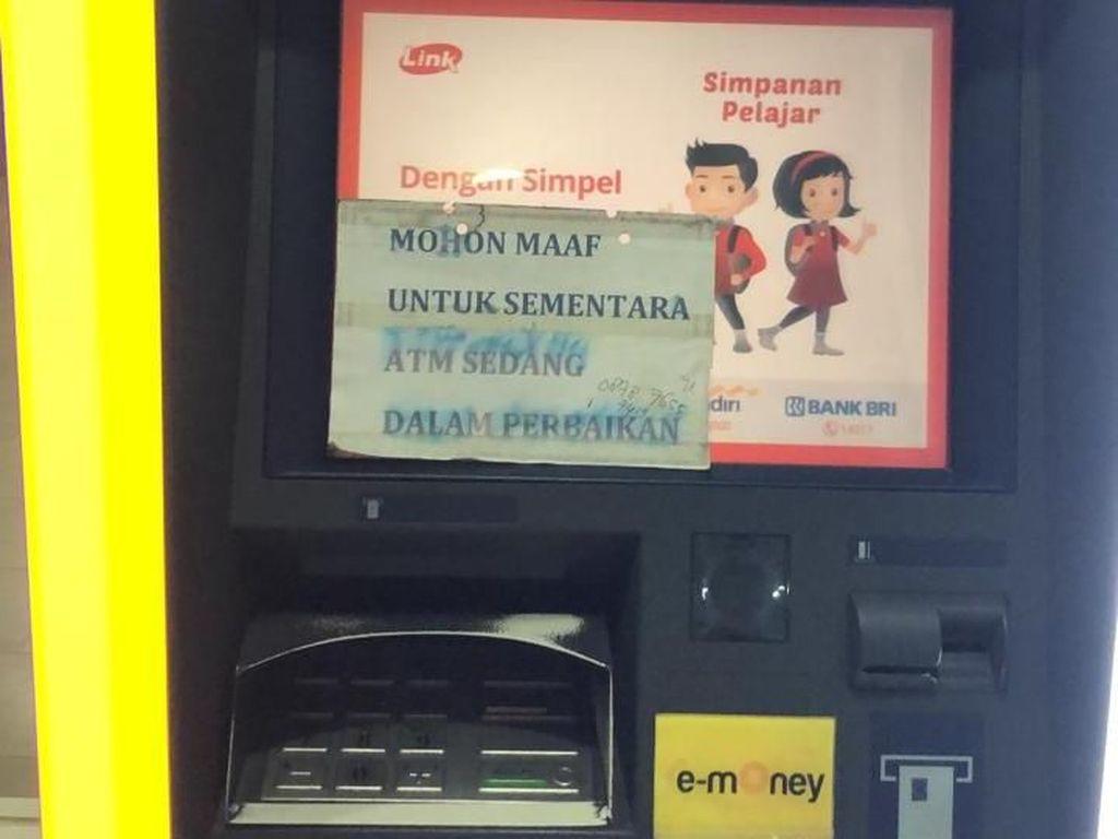 Duh, Nasabah Bank Mandiri Masih Belum Bisa Tarik Tunai di ATM