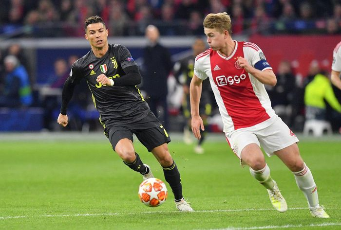 Matthijs de Ligt mantap memilih Juventus sebelum diminta Cristiano Ronaldo. (Foto: Emmanuel Dunand / AFP)