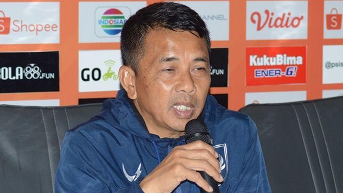 pelatih PSIS Semarang Jafri Sastra di konferensi pers jelang pertandingan melawan Persib Bandung.