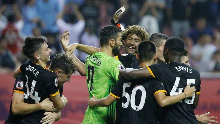 Wolverhampton Juara Premier League Asia Trophy usai kalahkan Man City (REUTERS/Thomas Peter)