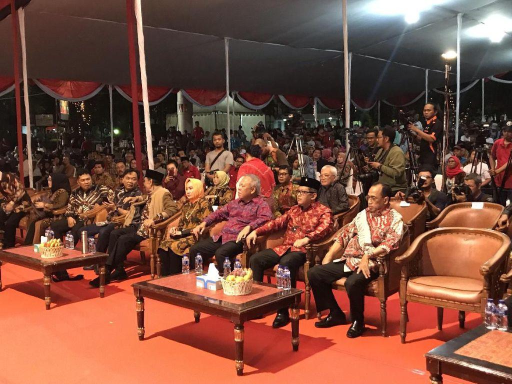 Wayang Kulit Syukuran Kemenangan Jokowi, Hasto Singgung Sengkuni