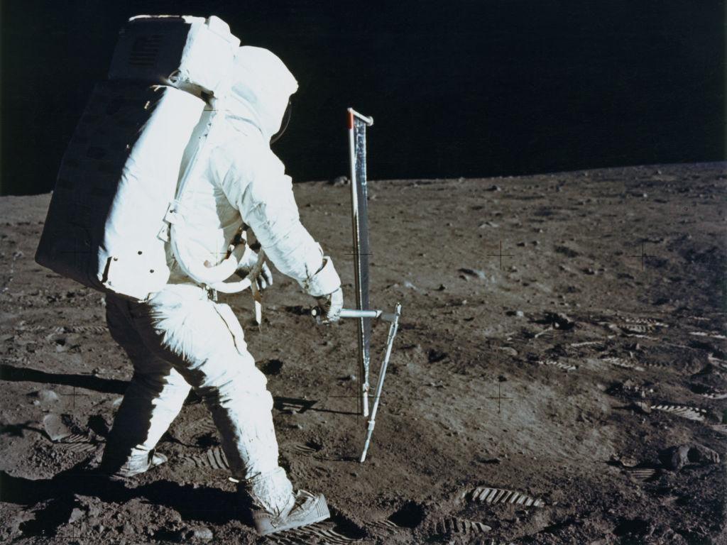 Cari Sumber Air, NASA Kirim Robot ke Bulan