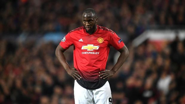 MANCHESTER, ENGLAND - APRIL 10:  Romelu Lukaku of Manchester United reacts during the UEFA Champions League Quarter Final first leg match between Manchester United and FC Barcelona at Old Trafford on April 10, 2019 in Manchester, England. (Photo by Michael Regan/Getty Images)