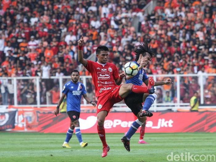 Persija Jakarta menjamu PSM Makassar di leg pertama Final Piala Indonesia. Macan Kemayoran berhasil mengalahkan PSM 1-0.