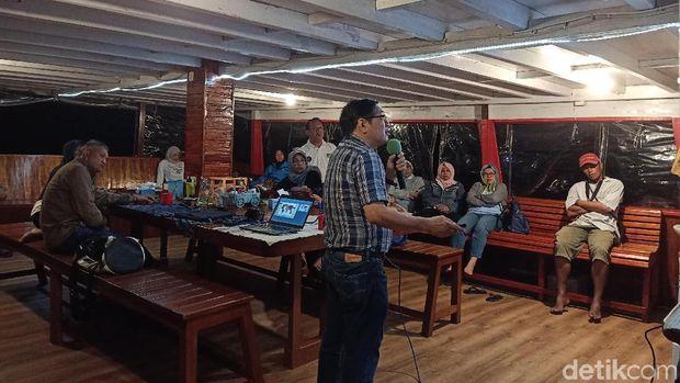 Unik! Para Dokter Gigi Gelar Seminar di Kapal Pinisi