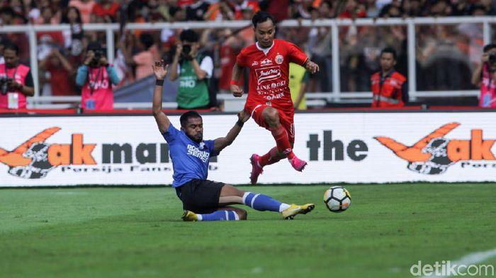 PSM Makassar saat dikalahkan oleh Persija Jakarta di leg I final Piala Indonesia. (Foto: Rifkianto Nugroho/detikcom)