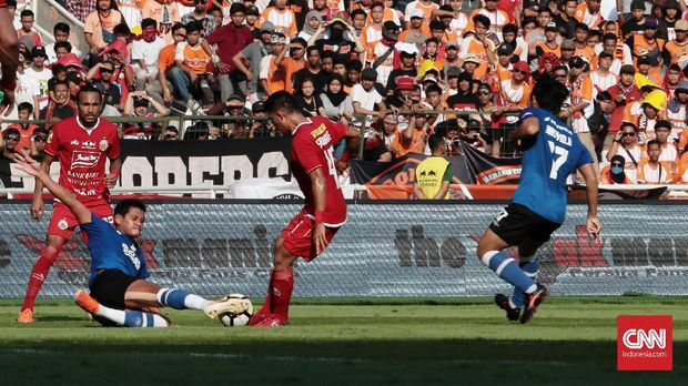 Persija menang 1-0 atas PSM Makassar di leg pertama.