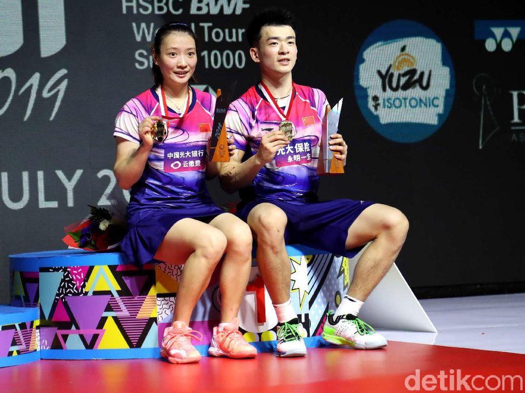 Zheng Si Wei/Huang Ya Qiong Juara Ganda Campuran