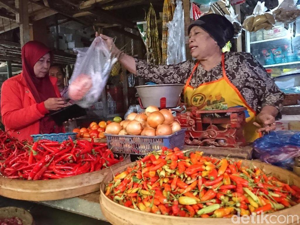 Harga Cabai Rawit di Trenggalek Rp 72 Ribu, Omzet Pedagang Turun