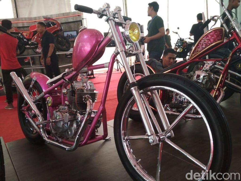 Motor Chopper Pink Metalik Demi Istri