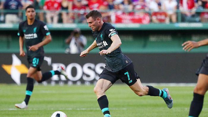 James Milner menunggu kontrak baru dari Liverpool (Tim Bradbury/Getty Images)