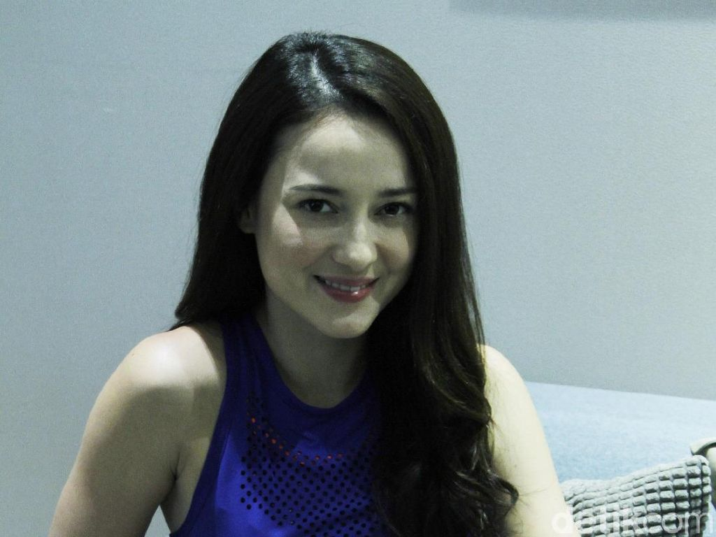 Heboh-heboh Isu akan Nikah, Julie Estelle Masih Fokus Karier