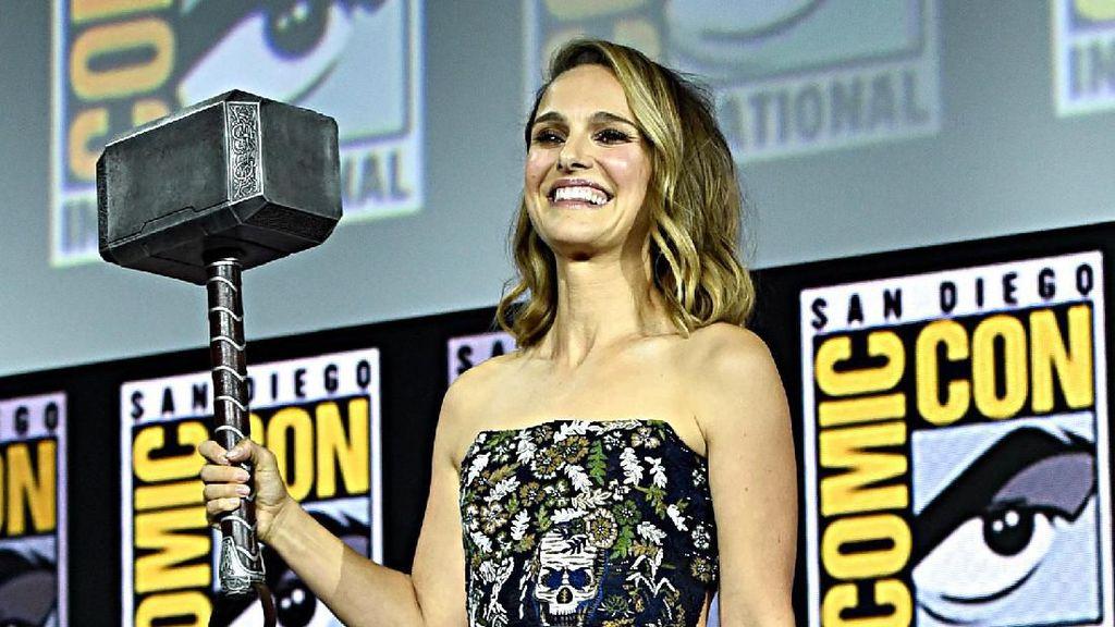 Momen Penobatan Natalie Portman Menjadi Dewi Petir