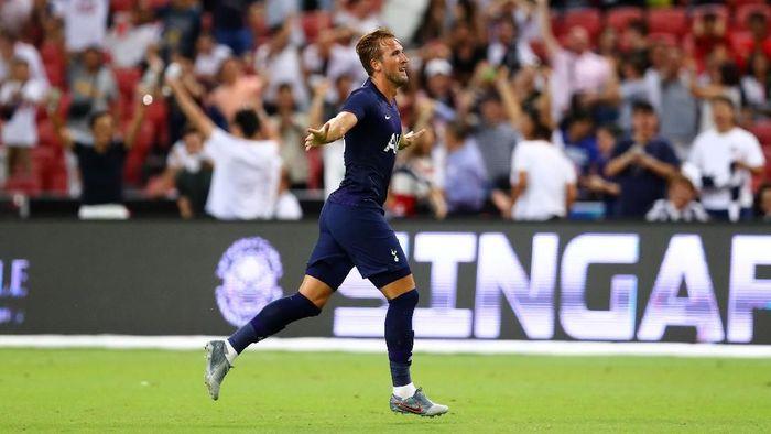 Harry Kane mencetak salah satu gol terbaik sepanjang kariernya saat menjebol gawang Juventus dari tengah lapangan (Pakawich Damrongkiattisak/Getty Images)