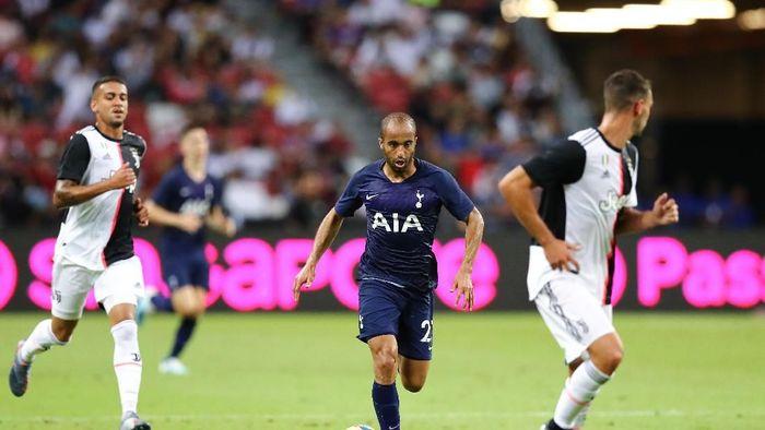 Lucas Moura di tengah laga Juventus vs Tottenham Hostpur (Pakawich Damrongkiattisak/Getty Images)