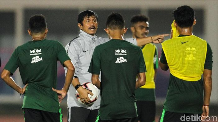 Pelatih Indra Sjafri saat memimpin pelatnas Timnas Indonesia U-23 di Stadion Madya beberapa waktu lalu. (Foto: Rifkianto Nugroho/detikSport)