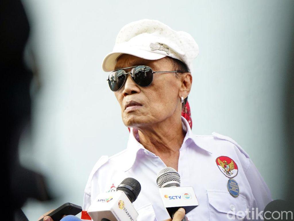 Nyangka Nggak? Tessy Bekas Anggota TNI Lo!