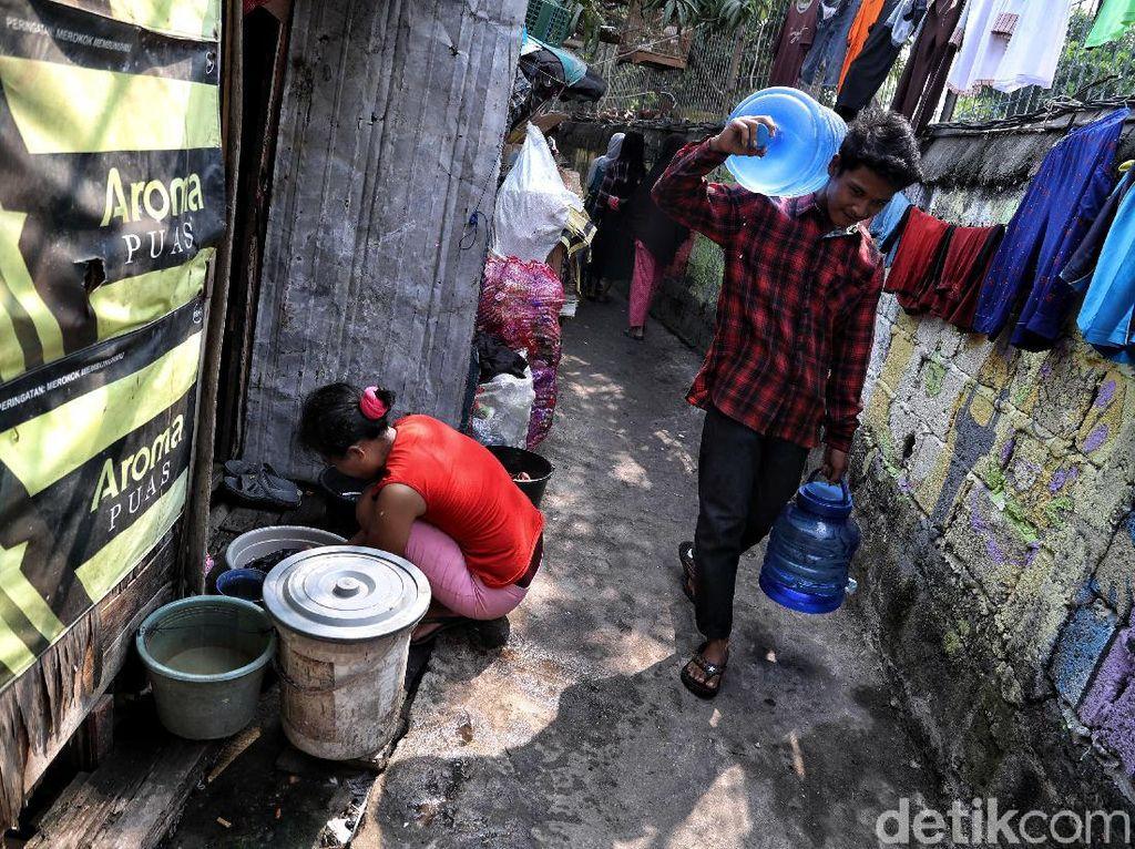 Ternyata Ini Penyebab Warga Miskin Jakarta Sulit Dapat Air Bersih