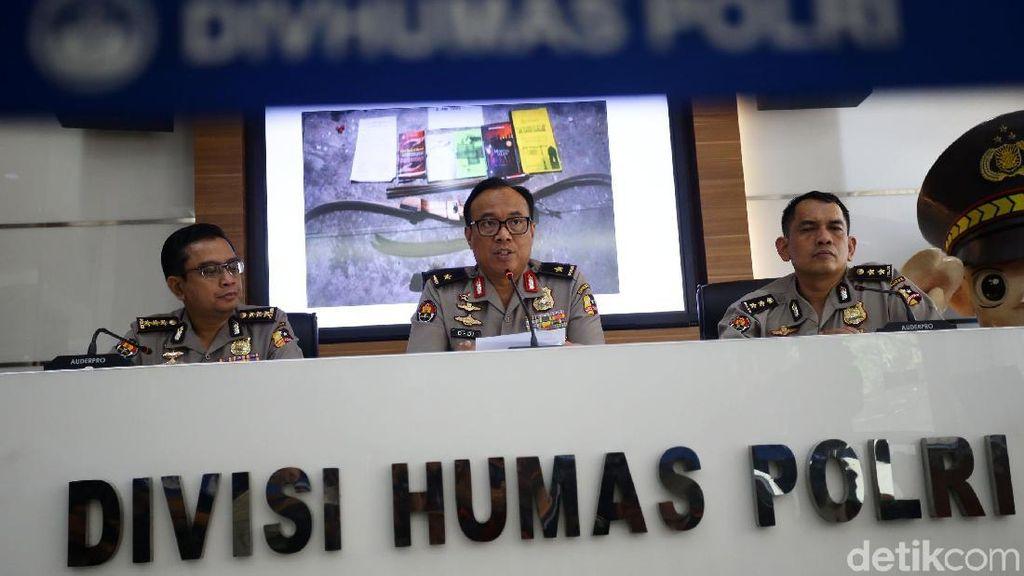 Polisi Ringkus Terduga Teroris Berafiliasi ISIS