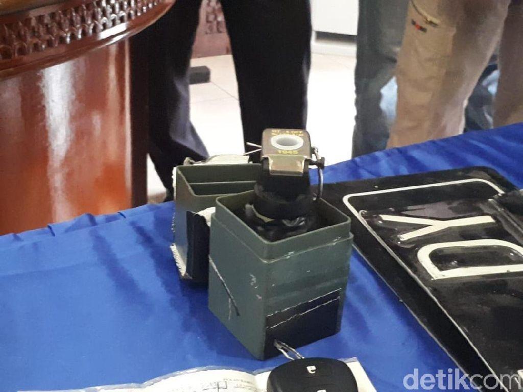 Polisi Temukan Granat dan Amunisi di Rumah Bandar Narkoba Satriandi