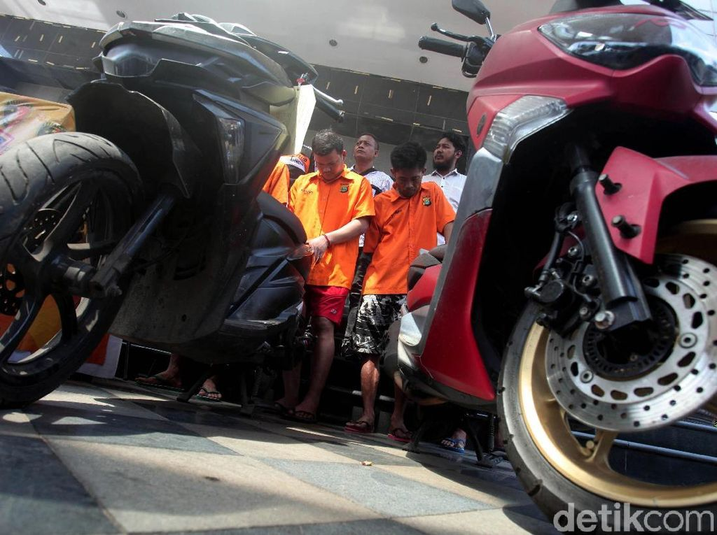 Pelaku Begal Motor Bersenjata Airsoft Gun Diciduk Polisi