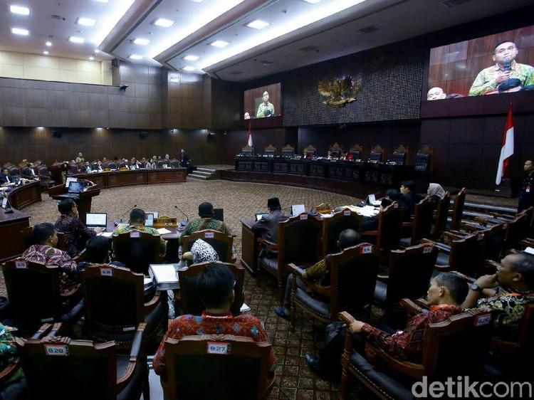 MK Perintahkan KPU Hitung Suara Ulang 135 TPS di Sumut