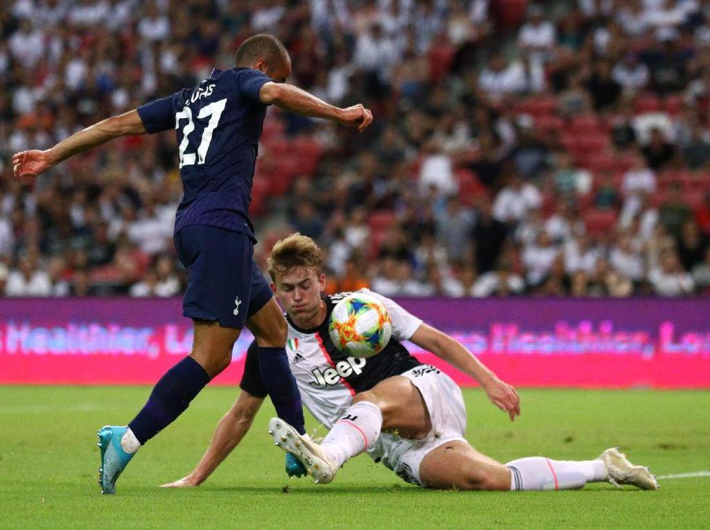 Video Gol Pertama De Ligt untuk Juventus, Tapi ke Gawang Sendiri