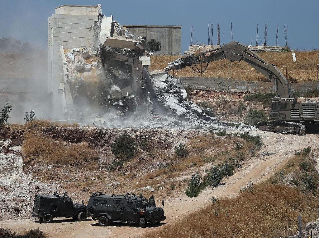 Israel Kembali Hancurkan Desa Badui Palestina di Tepi Barat