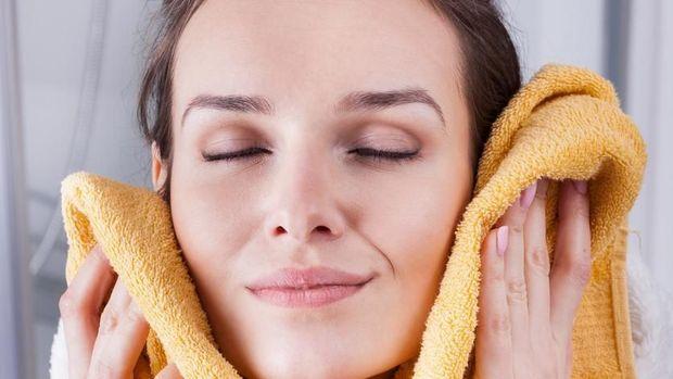 7 Tips Mengatasi Wajah Bengkak Saat Hamil Bunda Bisa Coba Di Rumah