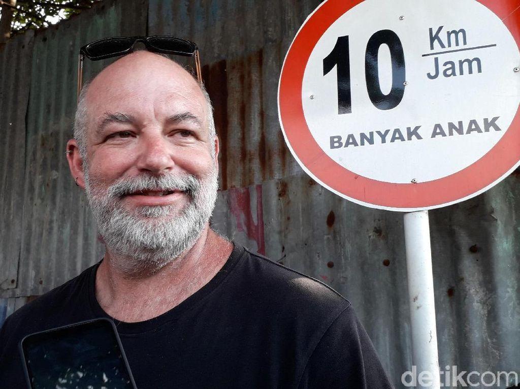 Cerita WN Australia Mobilnya Terguling di Underpass Kentungan