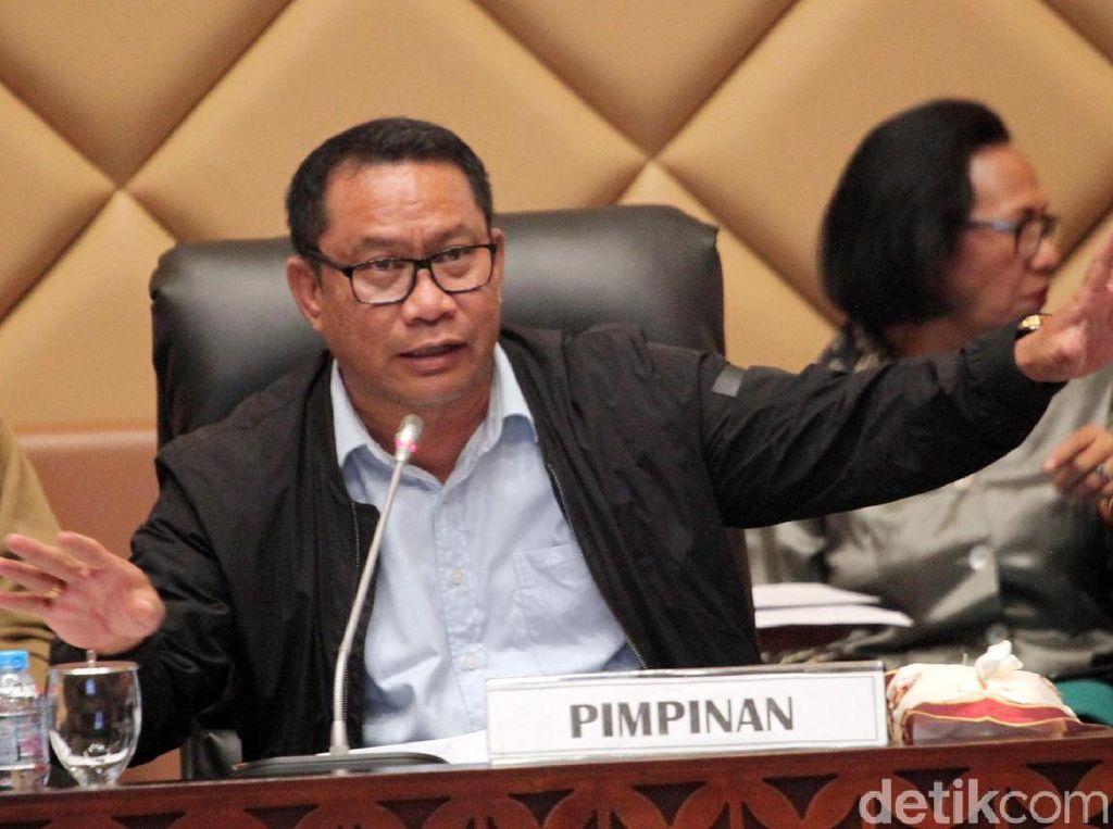 DPR Minta Pemerintah Gelar RapatGabungan soal Tiket Pesawat