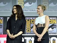 Scarlett Johansson Pamer Cincin Tunangan, Harganya Ditaksir Rp 5,6 Miliar