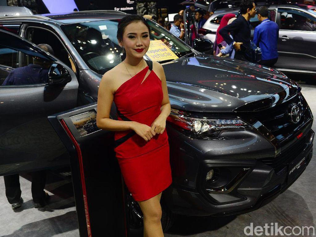 Penjualan Mobil Cetak Rekor Tertinggi Tahun Ini