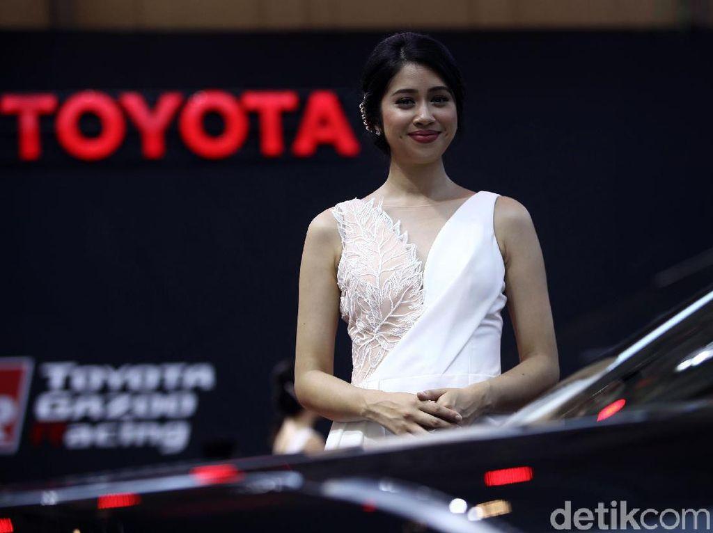 Toyota Punya Strategi Sendiri Hadapi Mobil-mobil Berharga Miring